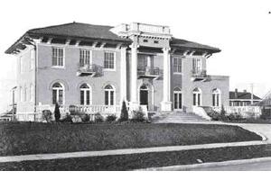 Machine Gun Kelly - Paradise Historical Society